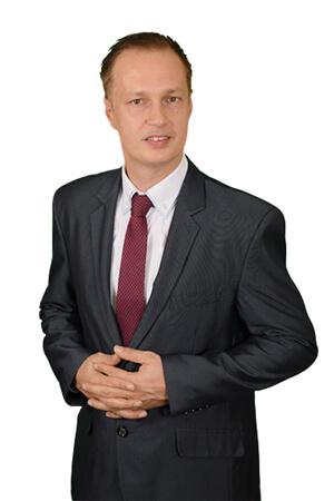 dr.-Szuper-géza---iroda-alapító-ügyvéd